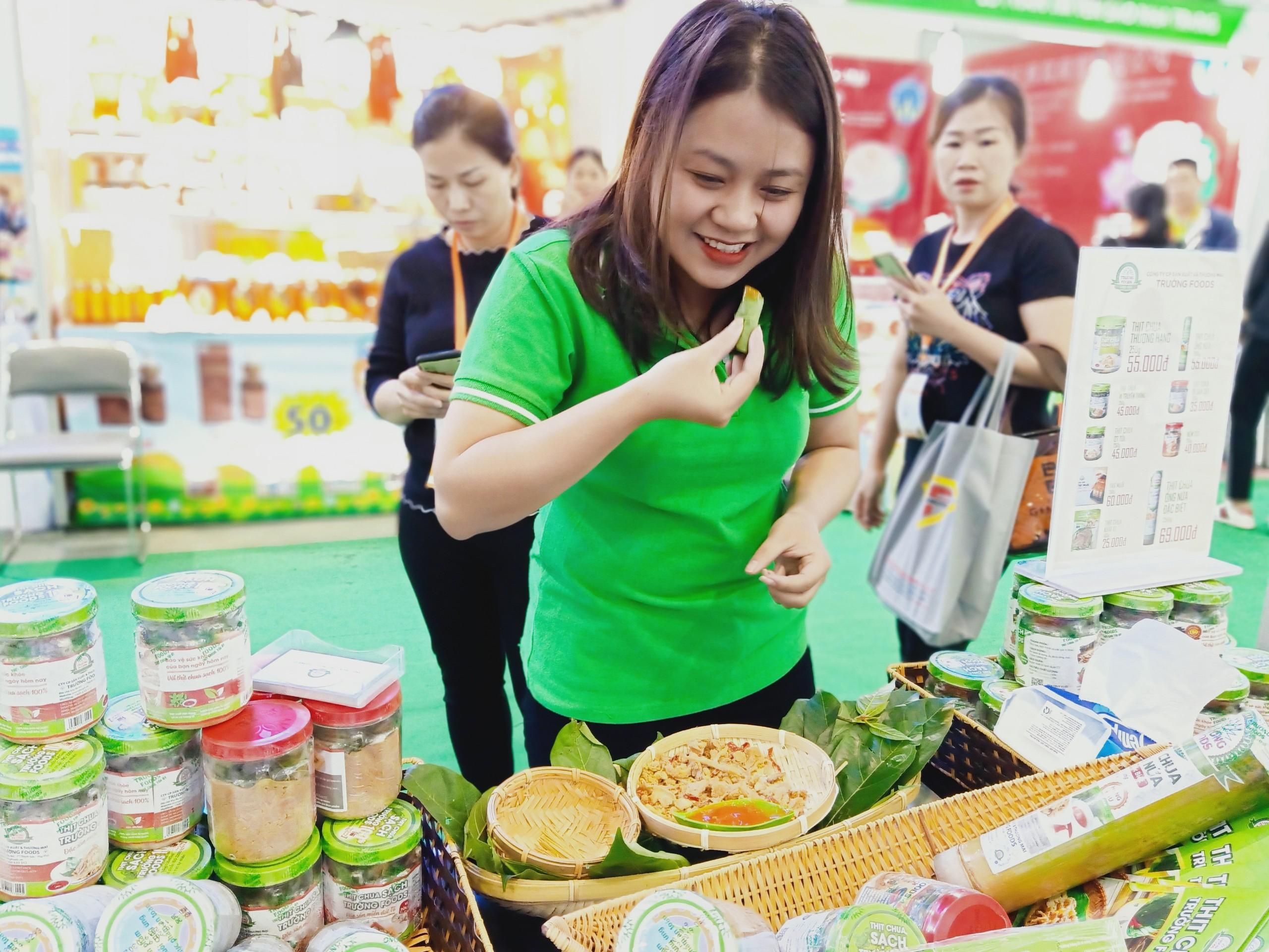 Triển lãm quốc tế thực phẩm và đồ uống 2019 tại Hà Nội – Thịt chua Trường Foods