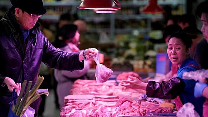 """Quay cuồng chóng mặt trong """" BÃO GIÁ"""" cầm 100 nghìn đi chợ không biết mua gì"""