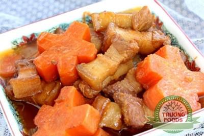 thịt kho hầm cà rốt