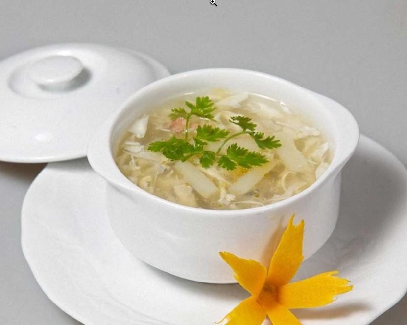 món khai vị súp măng cua