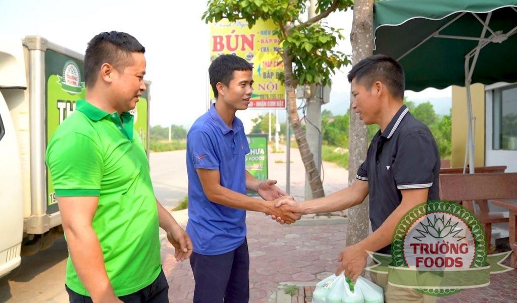 Anh Khánh hướng dẫn NPP cấp dưới đi phát triển thị trường